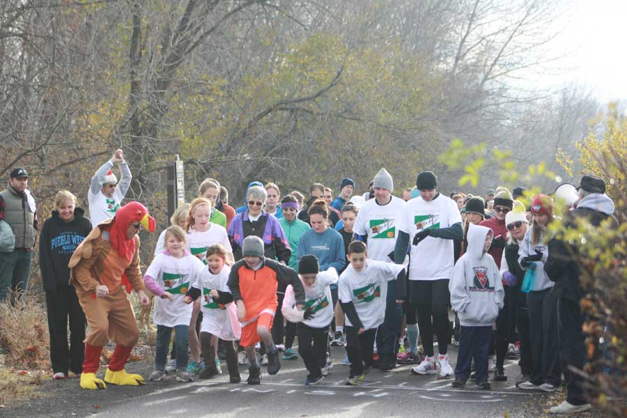 Participants in Yakima's Turkey Trot